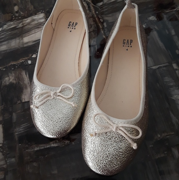 GAP Other - Gap kids girls size 4 youth gold flats